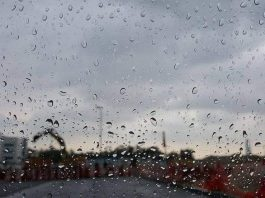 Rain to continue over weekend in UAE, temperatures to dip